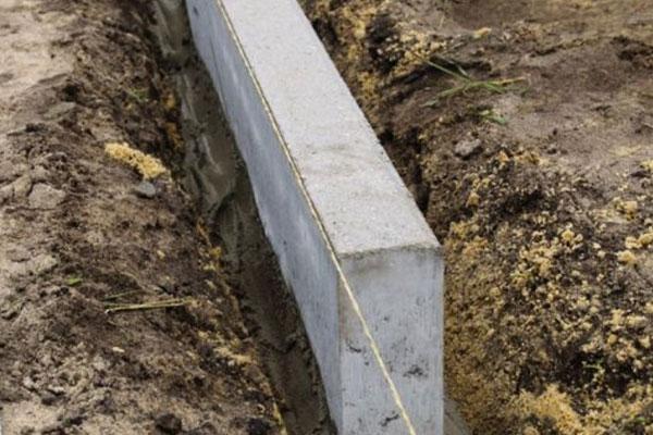 cадовый бордюр из бетона
